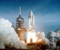 От НАСА дават повече от милиард за космическо такси