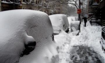 Сняг, грип и липса на парно затвориха 622 училища в страната