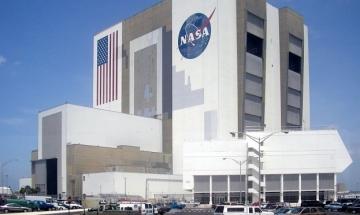 """НАСА изстреля сонда за изследване """"атмосферата"""" на Луната"""