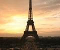 Айфеловата кула ще се превърне в малка зелена електроцентрала