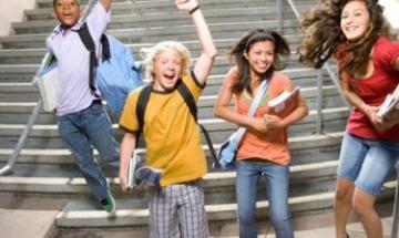 Четири ваканции радват учениците през 2013/2014 г.
