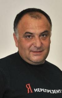 Проф. Николов: Младите може да задържим с добро образование и работа