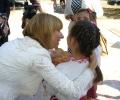 Клисарова на среща с деца в кукления театър във Варна