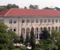 Преподаватели в Свищов плащат по 1000 лв. за паметници на ректорите си