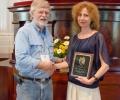 Проф. Албена Бакрачева от НБУ с награда за изключителни заслуги в областта на американистиката