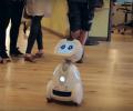Новият робот Buddy пази от крадци и пожари