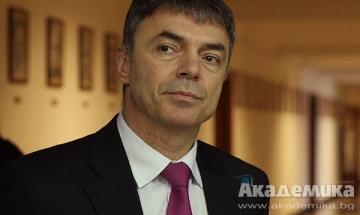 Нито МОМН, нито МВнР заверяват дипломи с невярно съдържание, заяви Игнатов