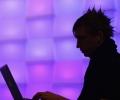 """Хакерите от """"Анонимните"""" нападнаха системи на Кеймбридж"""