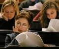 Кандидат-студенти се борят с философия, история и математика