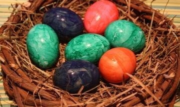 Столичани с рекорд за боядисани яйца за 3 минути