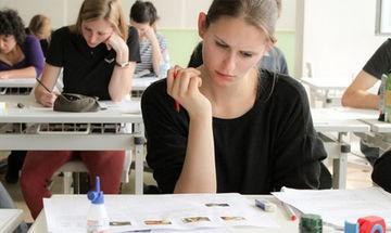 Втори зрелостен изпит и второ НВО за 7. клас се провеждат днес
