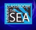 Професори преподават в класна стая под вода