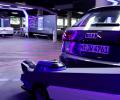 Робот паркира автомобили