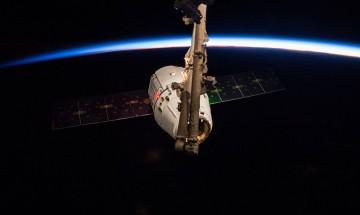 Космическата станция се подготвя да освободи Dragon