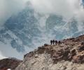 Обиколи Еверест с Google!