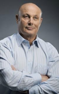 Проф. Л. Халачев: Опитайте се да се формирате като отговорни и мислещи личности