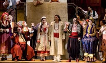 """""""Българи от старо време"""" за 60-и път на сцената на Оперетата"""