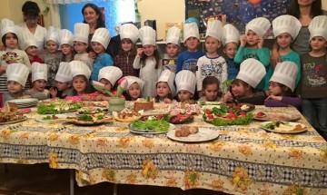 """С кулинарно шоу деца и родители от ОДЗ """"Зора"""" отбелязаха Осми март"""