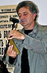 Николай Милчев: В часовете по литература трябва да се чете