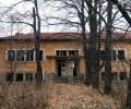 Закритите училища са 764 за 14 години