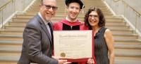 Зукърбърг се дипломира 13 години след напускането на Харвард