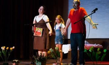 Аплодисменти и смях на годишното представление на театралната школа към 38 ОУ
