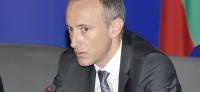 Министър Вълчев: Средната учителска заплата става 1300 лв.