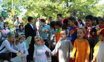 """Деца от Димитровград с групова рецитация на """"Аз съм българче"""""""