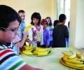 От понеделник повече плодове и зеленчуци за учениците