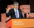 Президентът на Майкрософт участва в публична дискусия в СУ
