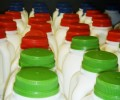 Смарт капачки следят годността на прясното мляко